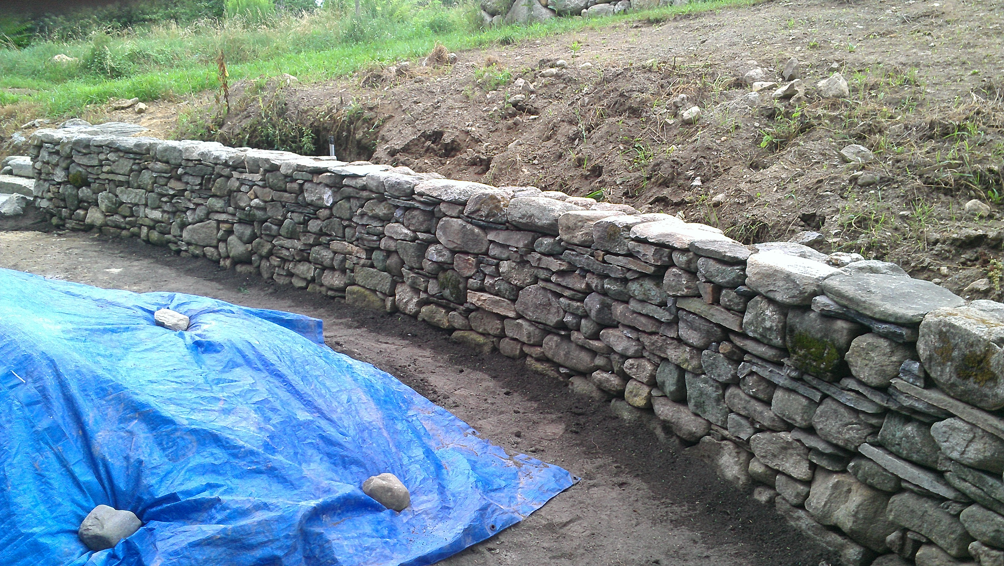 New England Fieldstone : New england fieldstone flagging and wallstone stone of